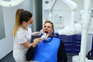 Voruntersuchung Zahnimplantate