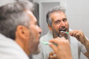 Zähneputzen sorgt für schöne Zähne